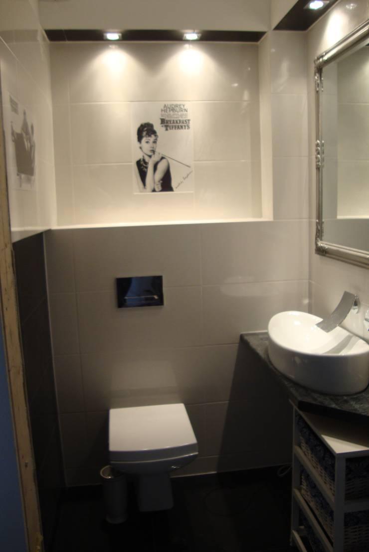 wc gościnne: styl , w kategorii Łazienka zaprojektowany przez Julia Domagała wnętrza
