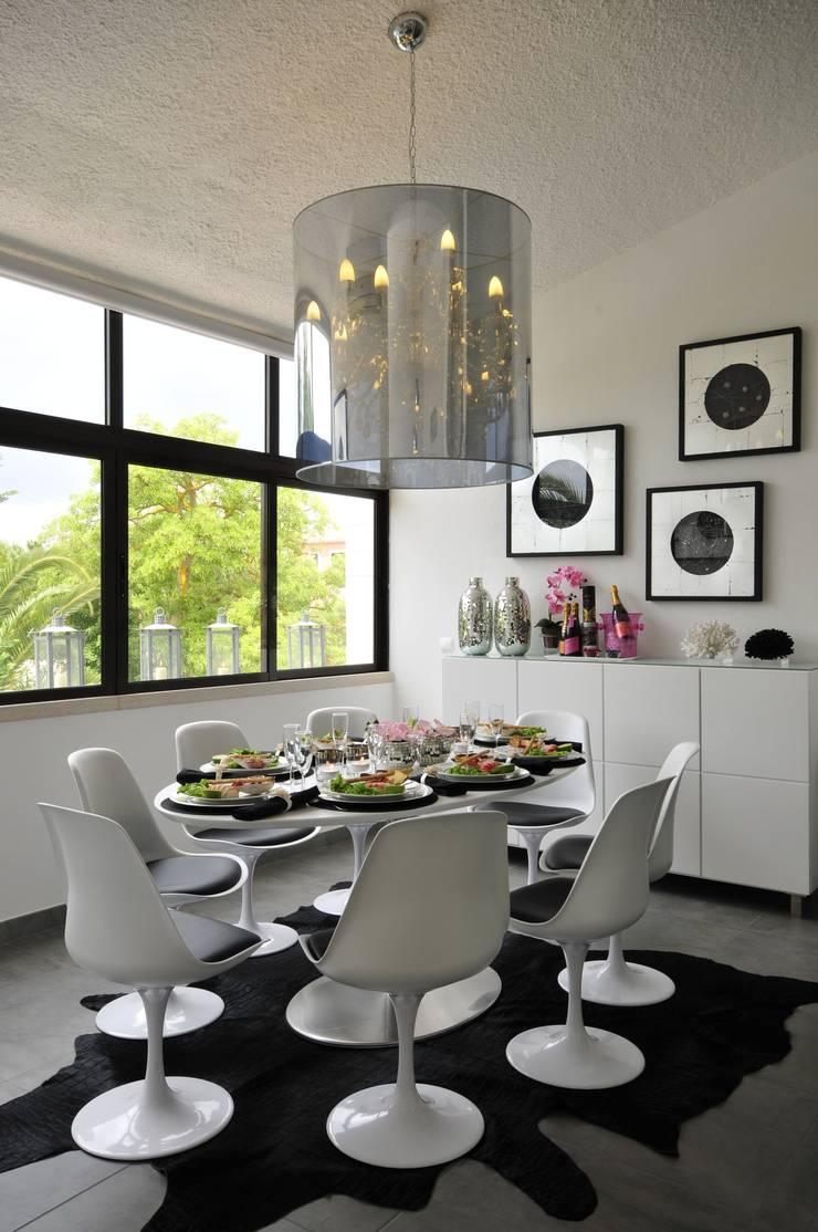 Residência Privada Vilamoura: Salas de jantar modernas por Leonor Moreira Romba - Arquitecturas