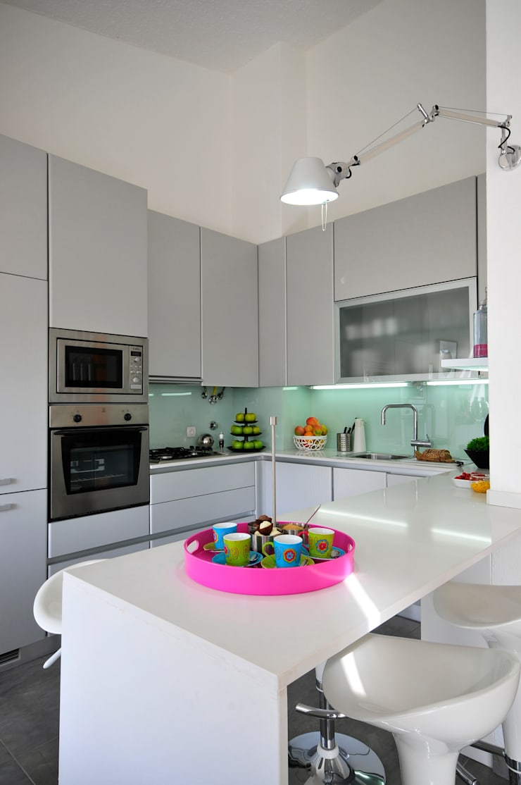 Residência Privada Vilamoura: Cozinhas modernas por Leonor Moreira Romba - Arquitecturas
