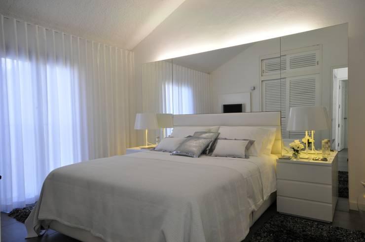 Residência Privada Vilamoura: Quartos modernos por Leonor Moreira Romba - Arquitecturas