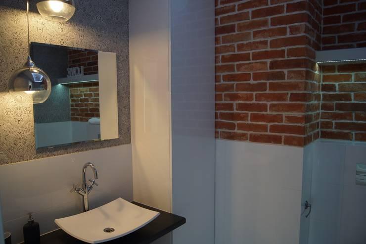 Mieszkanie pokazowe Wrocław: styl , w kategorii Łazienka zaprojektowany przez Julia Domagała wnętrza,Nowoczesny