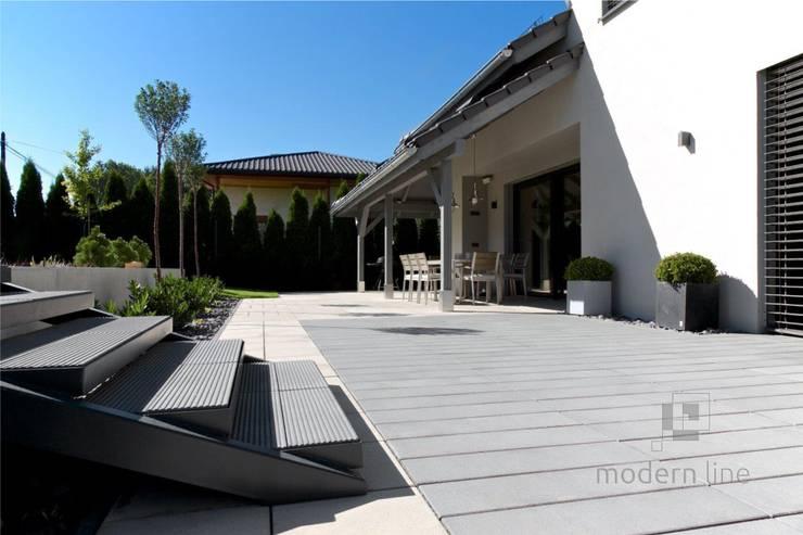 Płyta Solid: styl , w kategorii Ogród zaprojektowany przez Modern Line