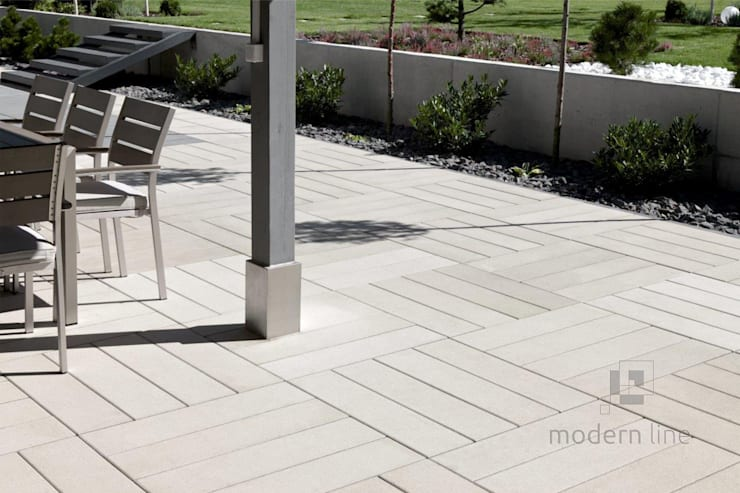 Płyta Solid: styl , w kategorii Ściany i podłogi zaprojektowany przez Modern Line