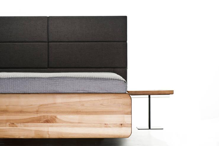 Łóżko BOXSPRING: styl , w kategorii Sypialnia zaprojektowany przez mazzivo