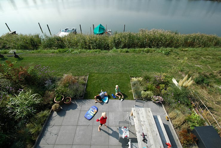 VILLA DE WAARD MENSINK, Ijburg, Amsterdam KENK Architecten:  Tuin door KENK architecten