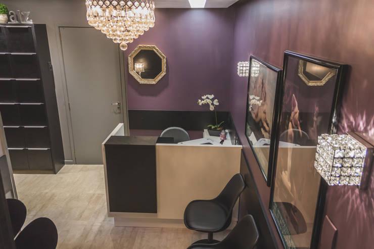 Consultório Ginecologico - Recepção: Escritórios  por Vanessa Mondin _Arquitetura e Interiores
