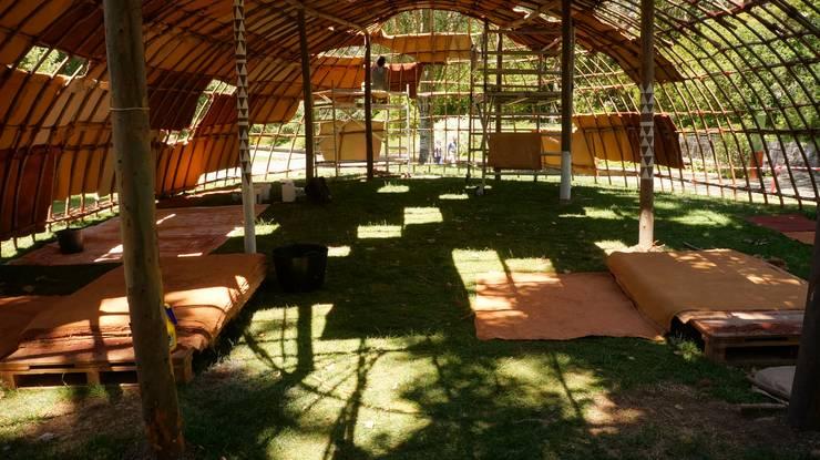 Jardines de estilo moderno por Terrapalha