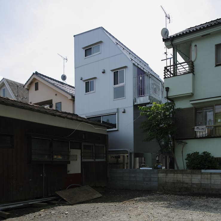 M house: 有限会社 空間計画研究所・佐藤万芳が手掛けた家です。,モダン