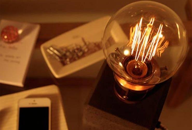 Lámparas : Hogar de estilo  por Beton