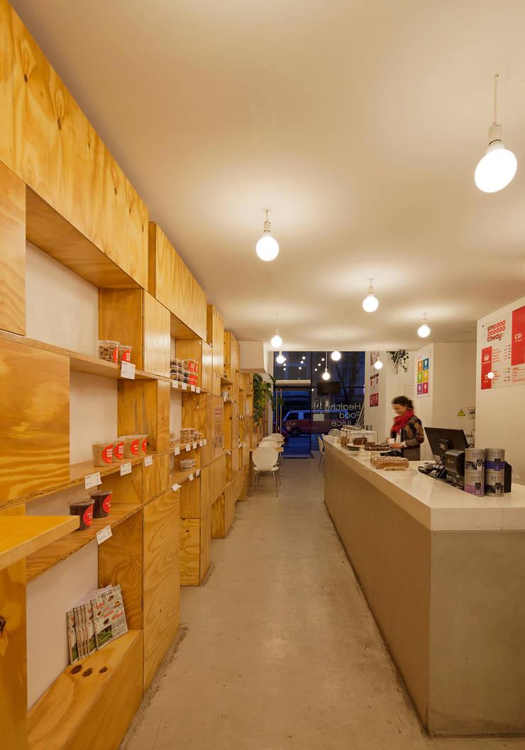 Smoothway Soler Bodegas minimalistas de IR arquitectura Minimalista Madera Acabado en madera