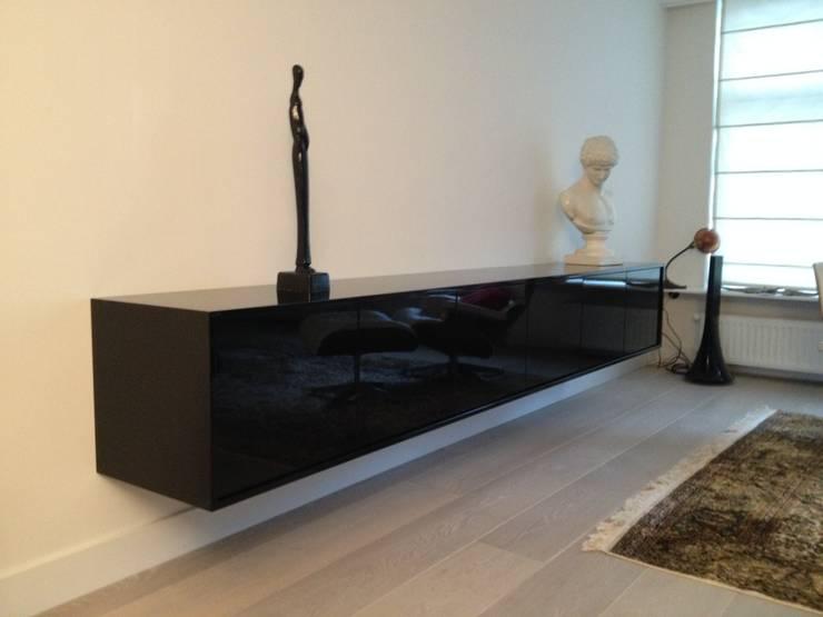 dressior hoogglans zwart: modern  door Rubens Interieurbouw, Modern