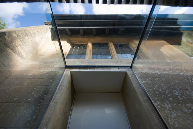 Koridor dan lorong oleh Designscape Architects Ltd, Modern