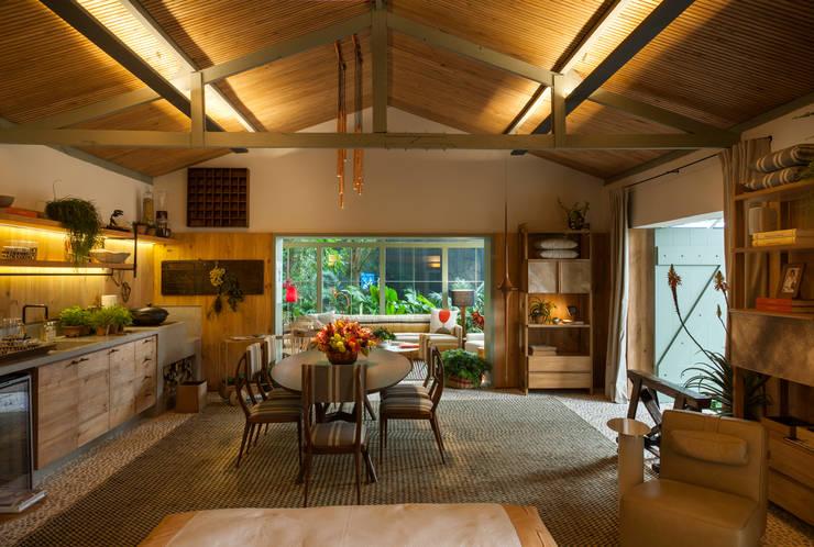Marina Linhares Decoração de Interiores: tropikal tarz tarz Oturma Odası