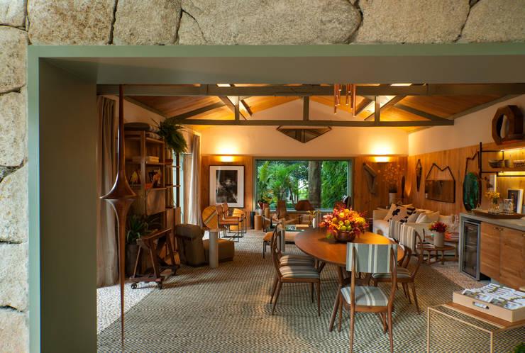 客廳 by Marina Linhares Decoração de Interiores