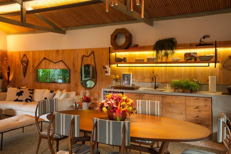 Кухни в . Автор – Marina Linhares Decoração de Interiores