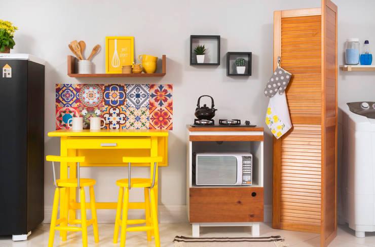 Cozinha integrada com lavanderia: Cozinha  por Meu Móvel de Madeira
