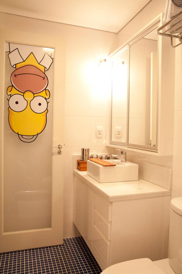 Banheiro da suíte do rapaz: Quartos  por ARQ Ana Lore Burliga Miranda,Moderno Azulejo