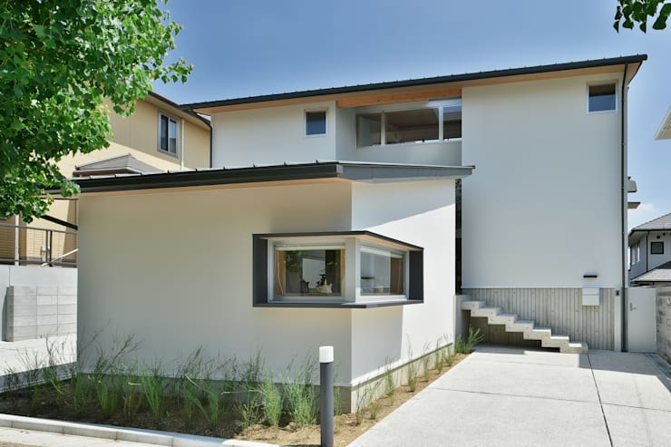 Houses by 株式会社 森本建築事務所, Scandinavian Solid Wood Multicolored