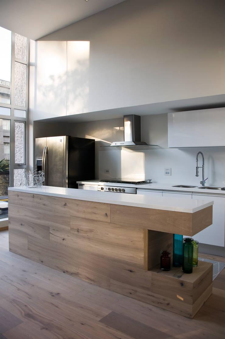 Cocina: Cocinas de estilo  por Basch Arquitectos