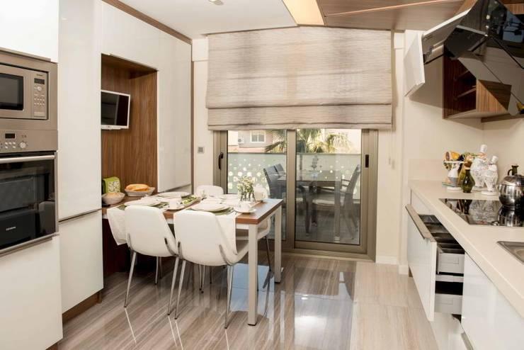 VERO CONCEPT MİMARLIK – Statü Güzelyurt Konutları: modern tarz Mutfak