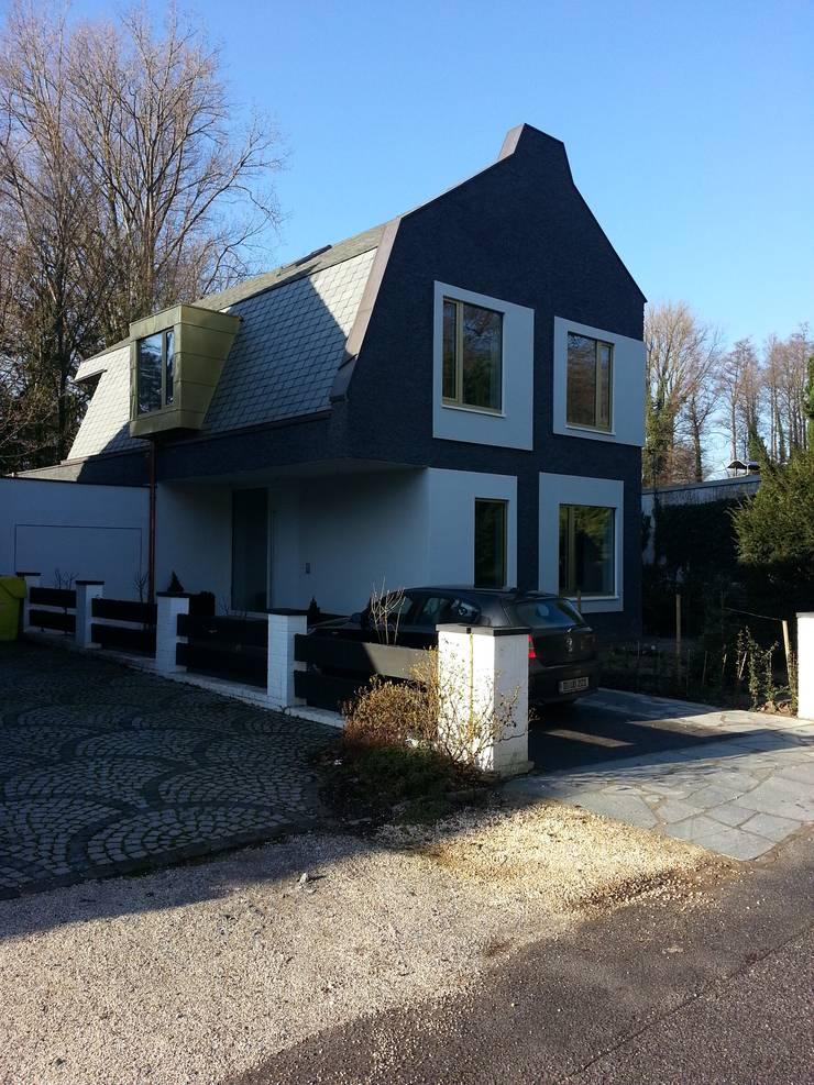 Neubau eines Einfamilienhauses:  Häuser von raumumraum architekten