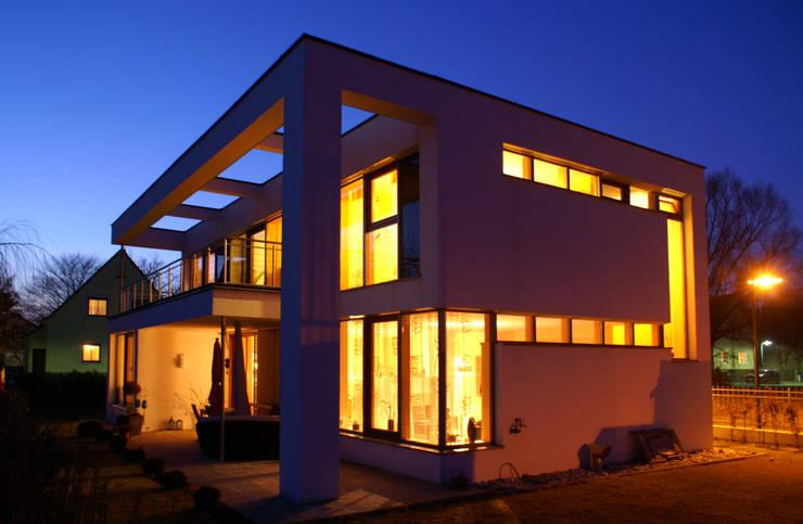 Lichtsituation in der Nacht:  Häuser von Architekt Fürth