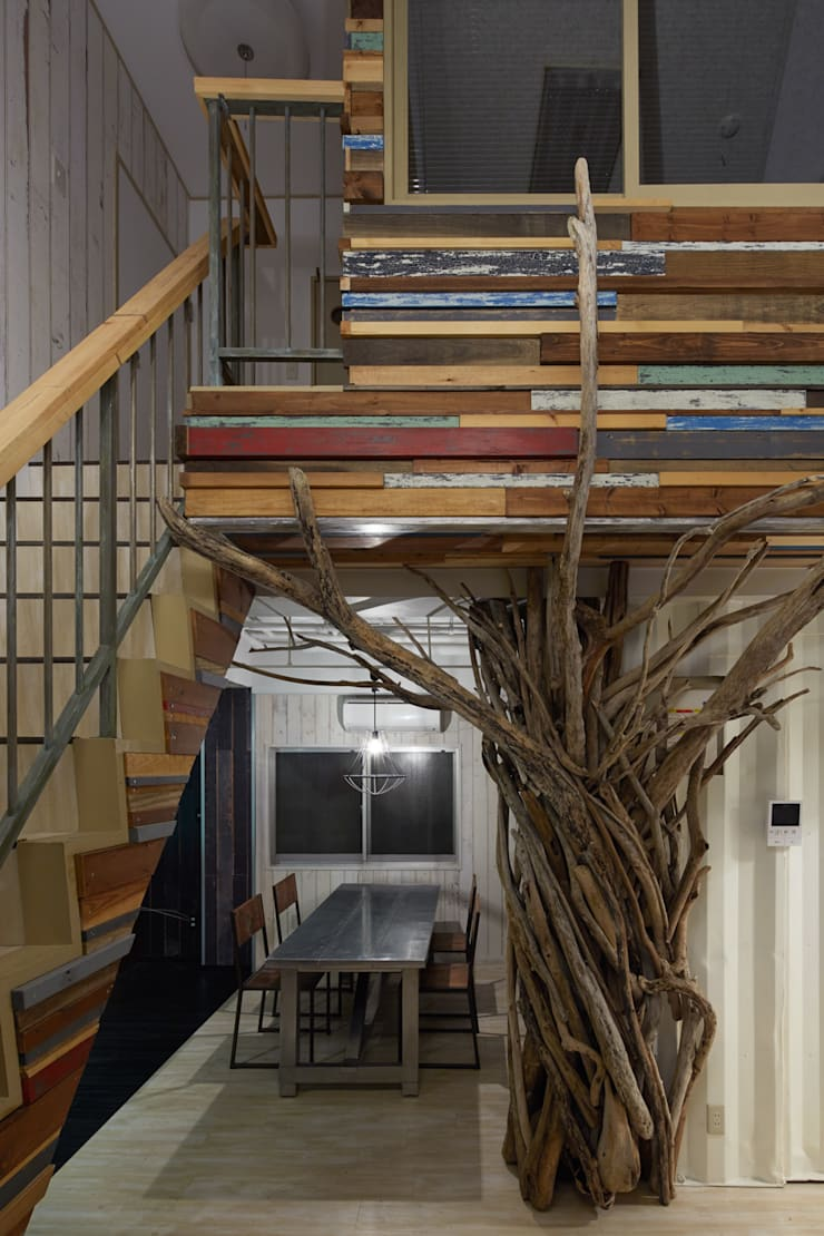 ARS OFFICE: LINEs AND ANGLEs inc.が手掛けたダイニングです。,