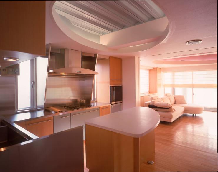 3階厨房 モダンな キッチン の Guen BERTHEAU-SUZUKI Co.,Ltd. モダン