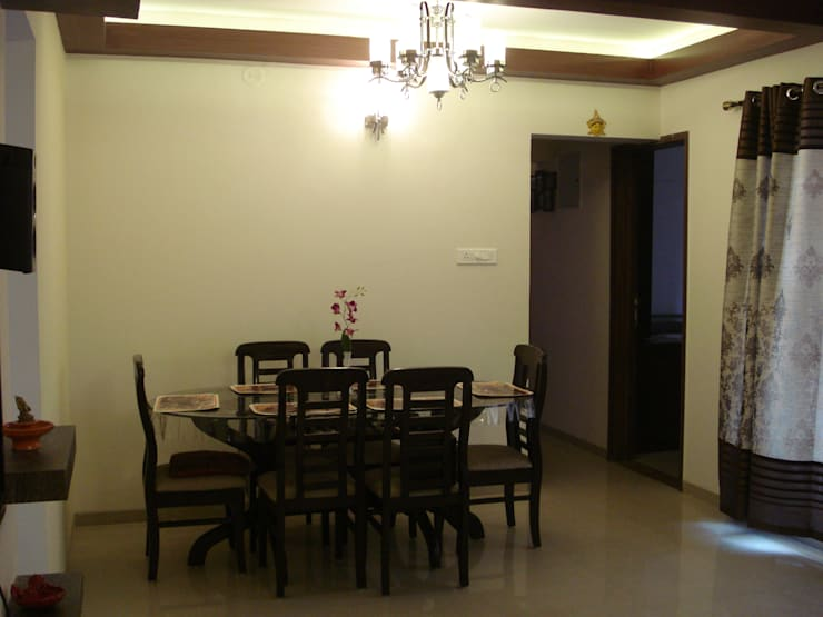 3bhk Residential Flat at Dhanori:  Dining room by Global Associiates