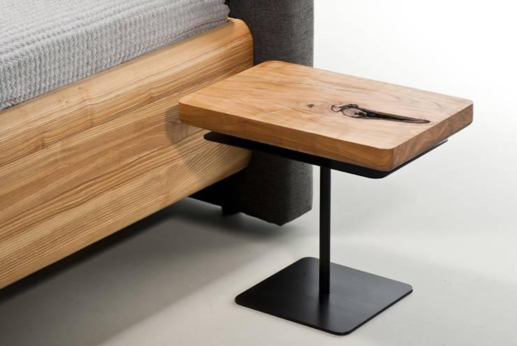Stolik MOON : styl , w kategorii Sypialnia zaprojektowany przez mazzivo