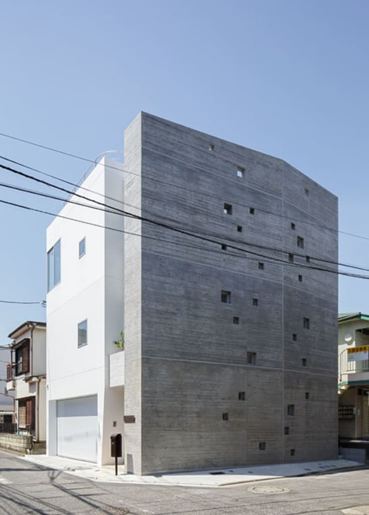 N house: 株式会社K&T一級建築士事務所が手掛けた窓&ドアです。
