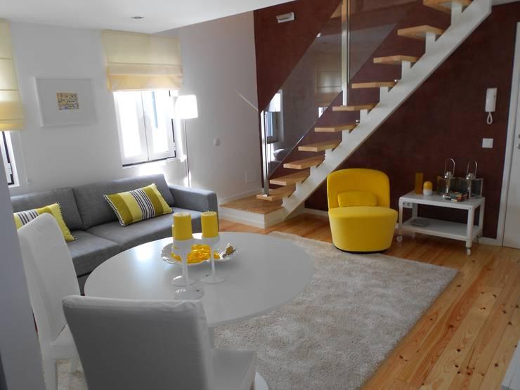 Vista Geral: Salas de estar  por Interiores com alma