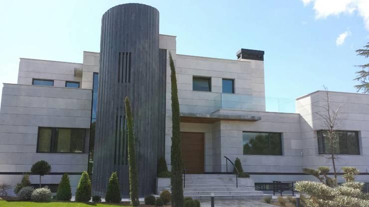 VIVIENDA UNIFAMILIAR : Casas de estilo  de CARLOS TRIGO GARCIA