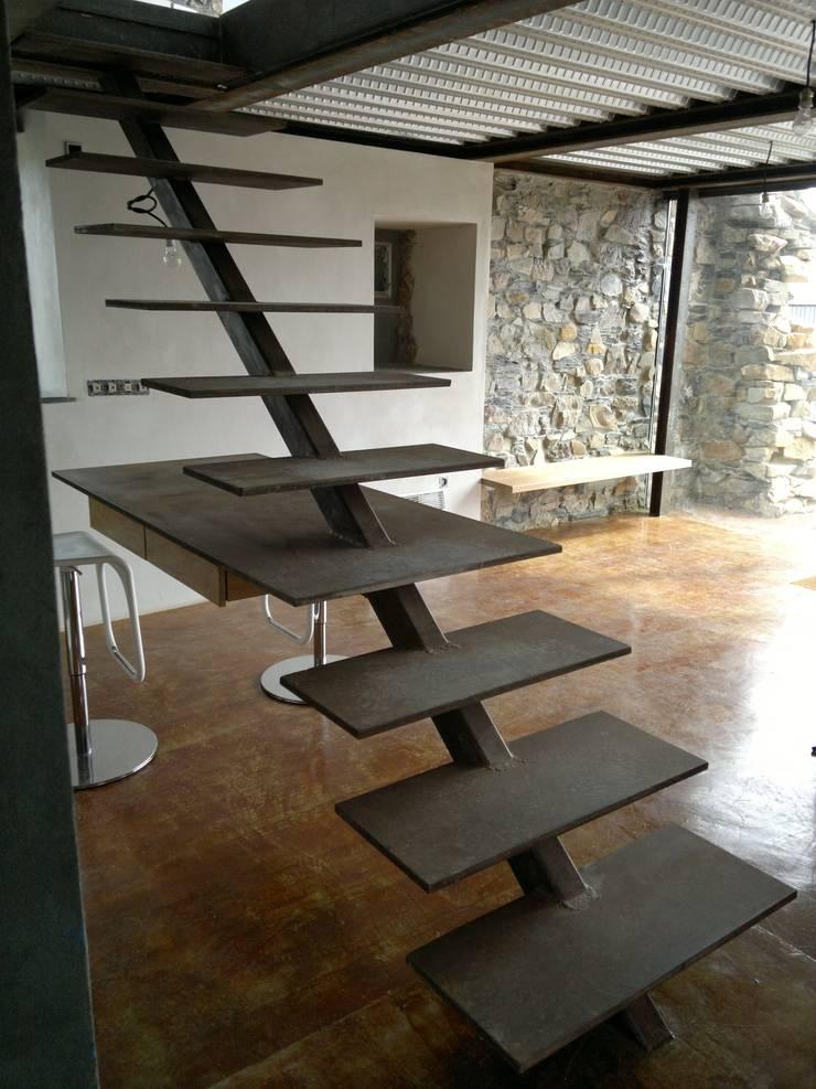 Flur & Diele von Tagarro-De Miguel Arquitectos, Modern
