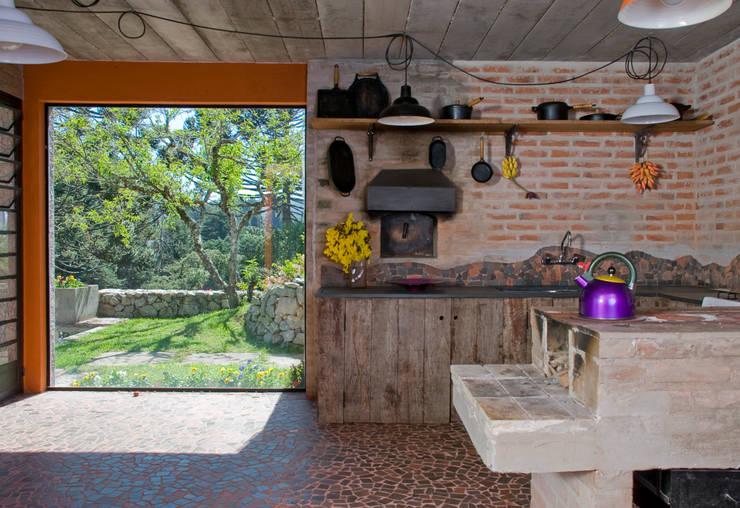 Cocinas de estilo  por Carlos Bratke Arquiteto