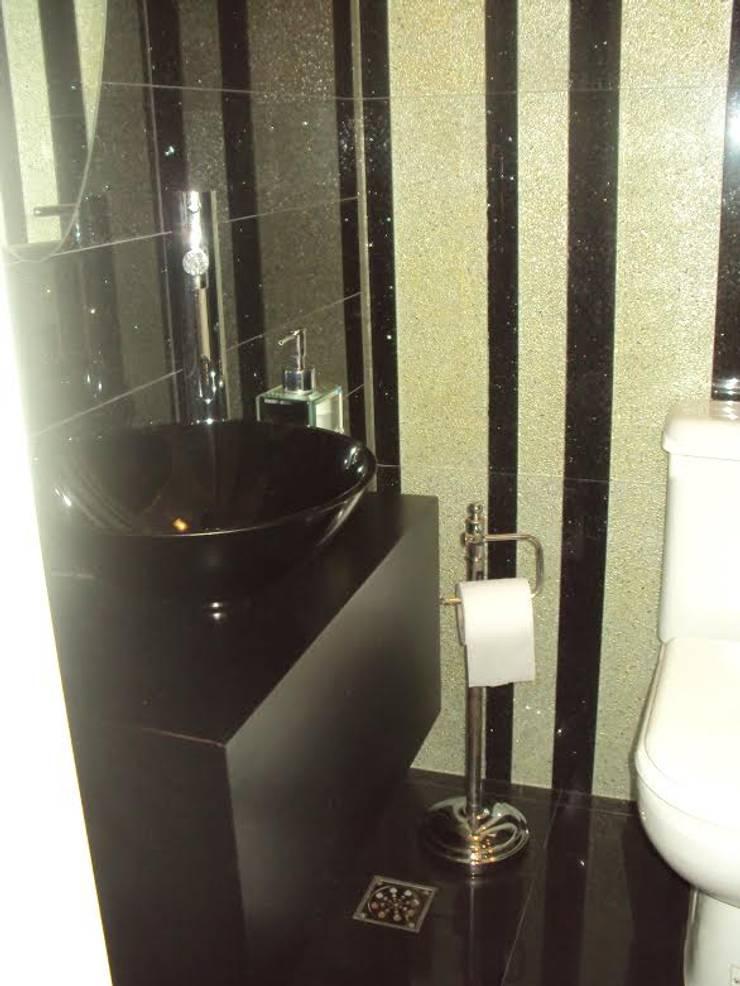 TRABAJO DE INTERIORISMO – Depto T: Baños de estilo clásico por GMV ESTUDIO