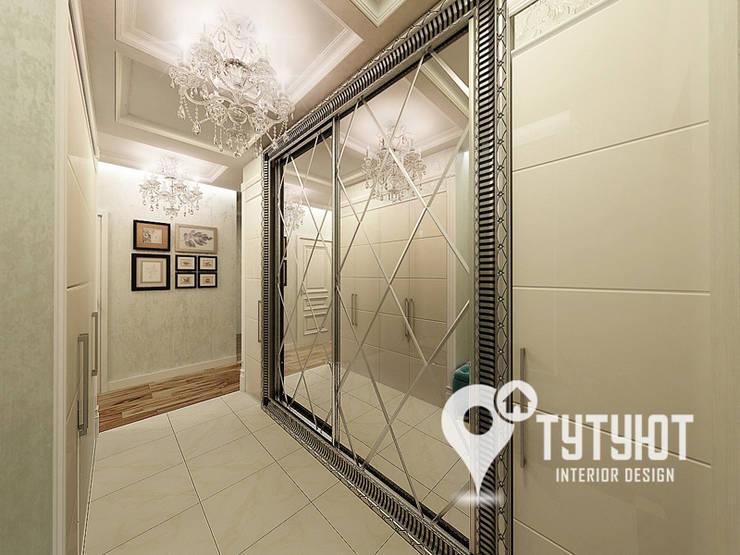 Нежный интерьер для счастливой хозяйки в ЖК <q>Университетский</q>: Коридор и прихожая в . Автор – Interior Design Studio Tut Yut