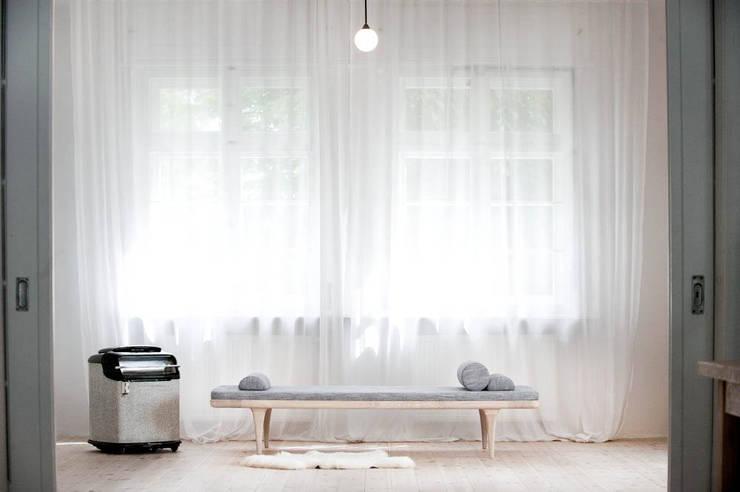 L2 Szezlong: styl , w kategorii Sypialnia zaprojektowany przez Loft Kolasiński