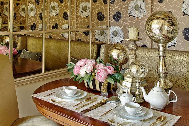classic Dining room by Olga Kulikovskaia-Ashby