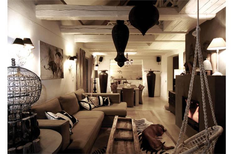 COUNTRY HOUSE 1: styl , w kategorii Jadalnia zaprojektowany przez 2kul INTERIOR DESIGN