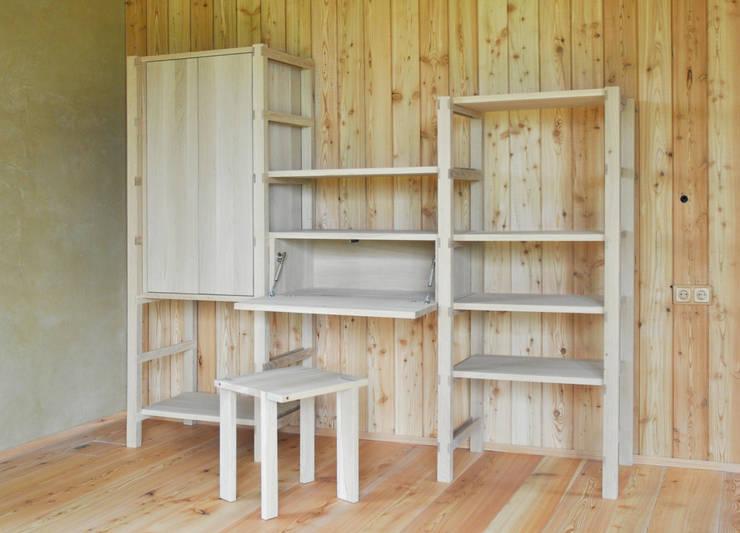 Salas de estilo minimalista por Holzbearbeitung Raphael Lempert