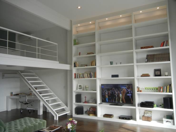 Loft en Martinez: Livings de estilo  por Fainzilber Arqts.