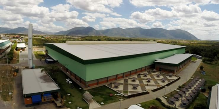 Grendene Sobral: Espaços comerciais  por Aurion Arquitetura e Consultoria Ltda