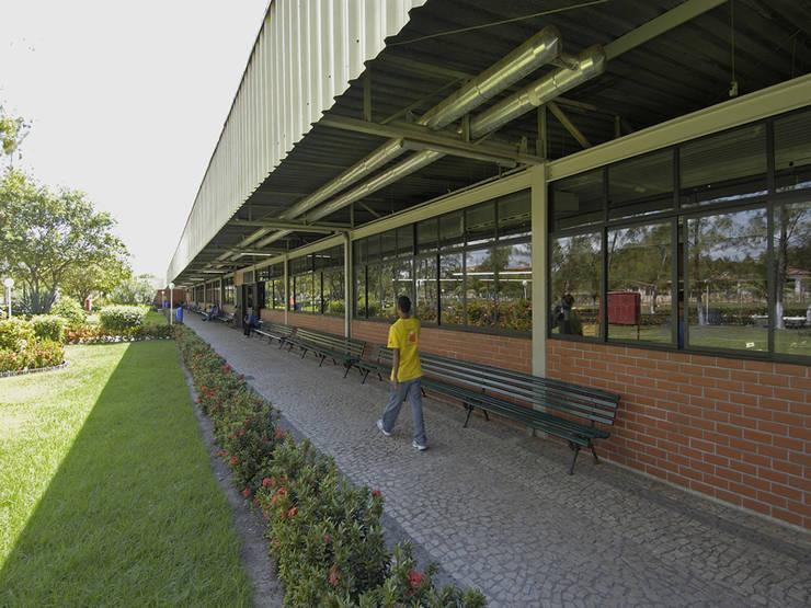 โดย Aurion Arquitetura e Consultoria Ltda อินดัสเตรียล