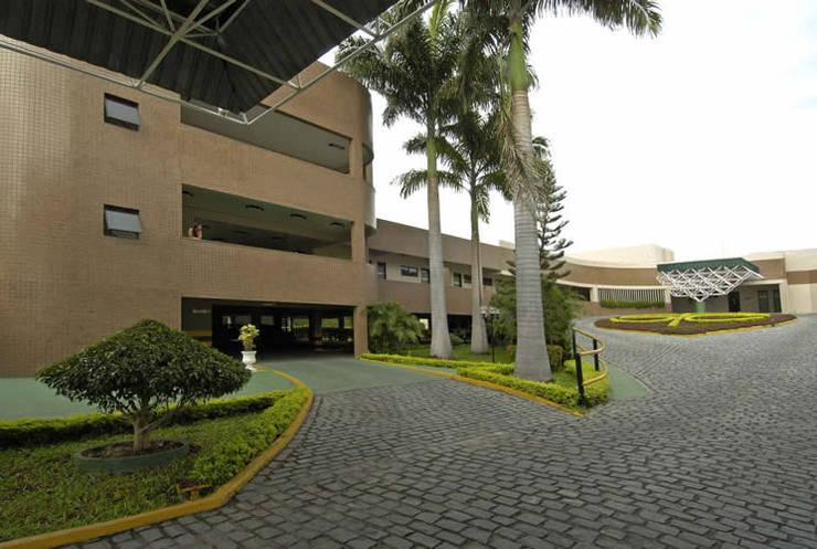 Hospital do Coração: Hospitais  por Aurion Arquitetura e Consultoria Ltda