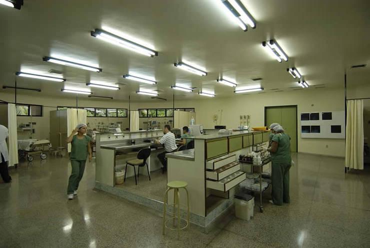 醫院 by Aurion Arquitetura e Consultoria Ltda,