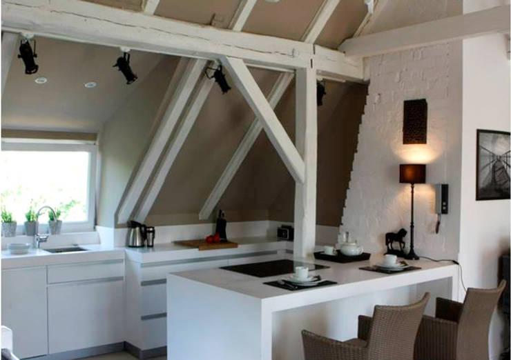 DOM 2: styl , w kategorii Kuchnia zaprojektowany przez 2kul INTERIOR DESIGN,Eklektyczny Cegły