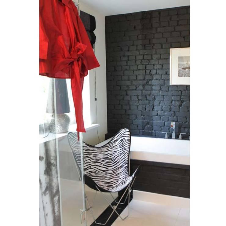 DOM 2: styl , w kategorii Łazienka zaprojektowany przez 2kul INTERIOR DESIGN,Eklektyczny Cegły