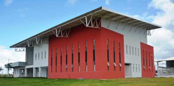CIA SULAMERICANA DE CERÂMICA: Espaços comerciais  por Aurion Arquitetura e Consultoria Ltda,