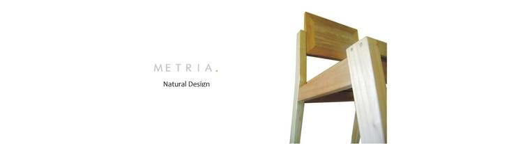 SILLA SAKE: Hogar de estilo  por ESTUDIO METRIA.,